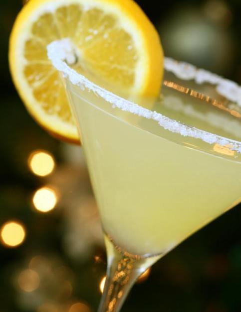 lemon-drop-martini-in-glass